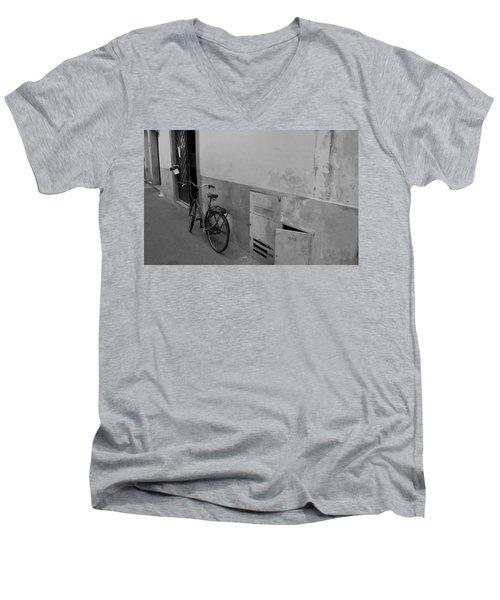 Bike In Alley Men's V-Neck T-Shirt
