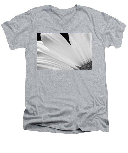 Black And White Daisy Flower Peeking Men's V-Neck T-Shirt