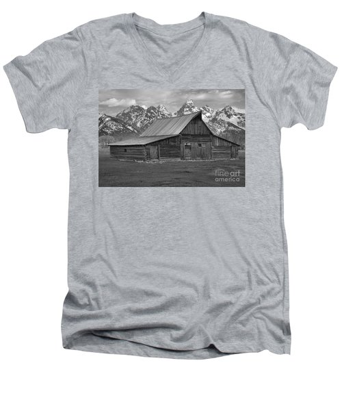 Black And White Mormon Row Barn Men's V-Neck T-Shirt by Adam Jewell