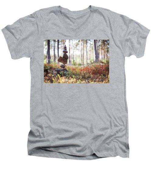 Blomma Men's V-Neck T-Shirt