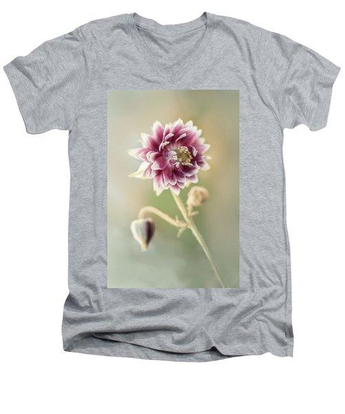 Blooming Columbine Flower Men's V-Neck T-Shirt
