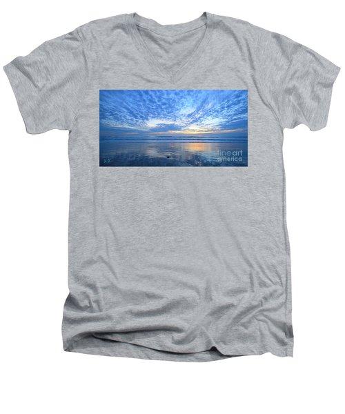 Beach Home Blues Men's V-Neck T-Shirt