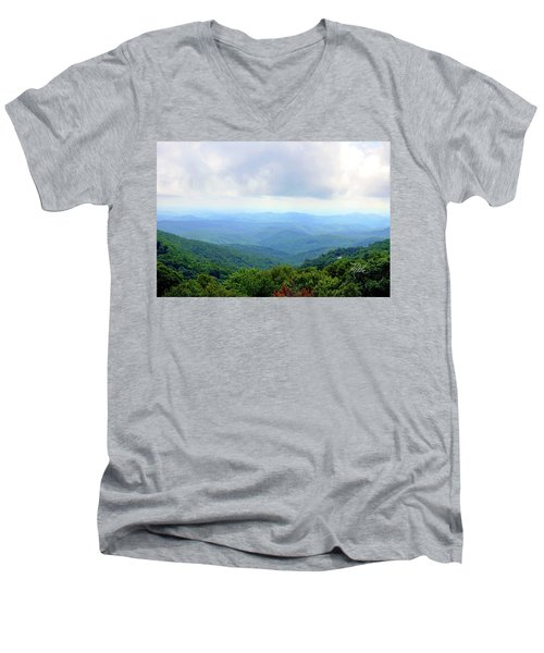 Blue Ridge Parkway Overlook Men's V-Neck T-Shirt