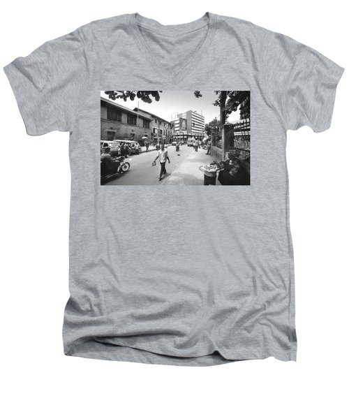 Broad Street Facing Cms Bus-stop Men's V-Neck T-Shirt