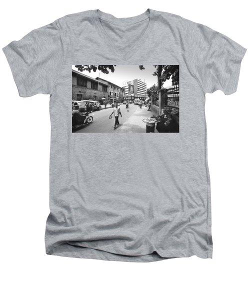 Broad Street Facing Cms Bus-stop Men's V-Neck T-Shirt