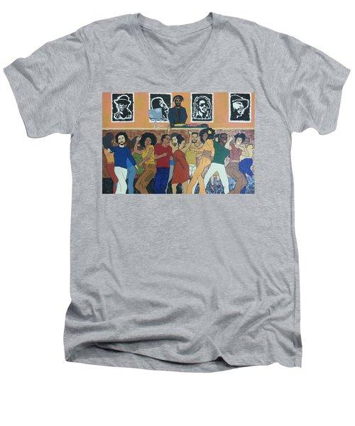 Bowl Train Men's V-Neck T-Shirt