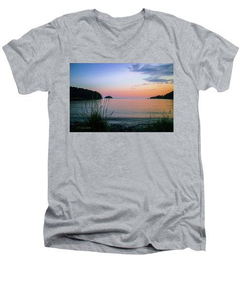 Bowman Bay Men's V-Neck T-Shirt