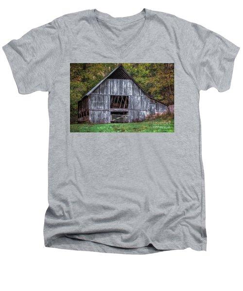Boxley Valley Barn  Men's V-Neck T-Shirt