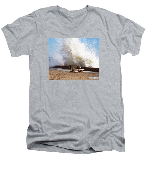 Breaking Wave Men's V-Neck T-Shirt