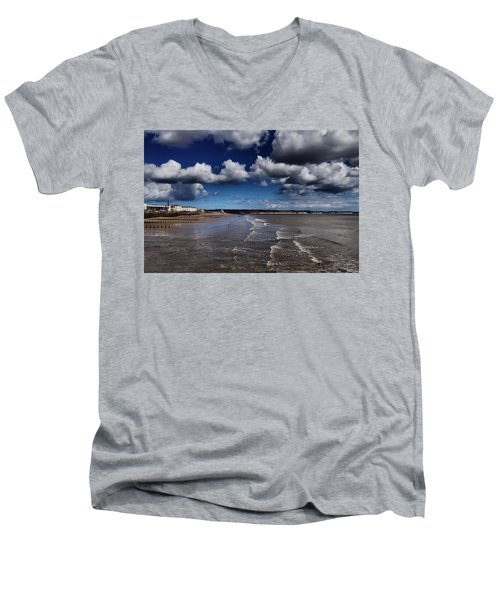 Bridlington Coastline Men's V-Neck T-Shirt