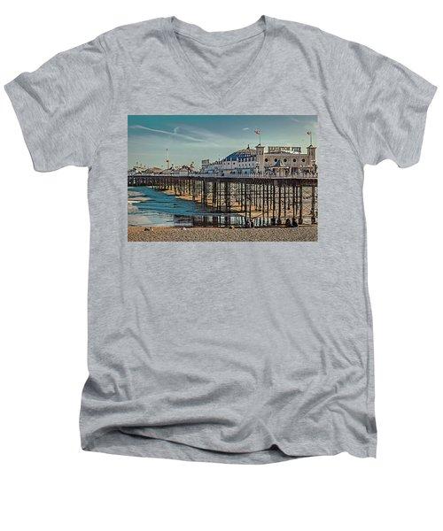 Brighton Pier Men's V-Neck T-Shirt