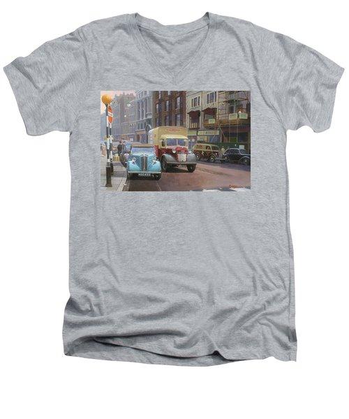 British Railways Austin K2 Men's V-Neck T-Shirt
