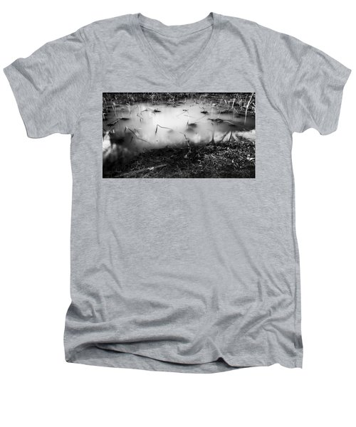 Broken Men's V-Neck T-Shirt