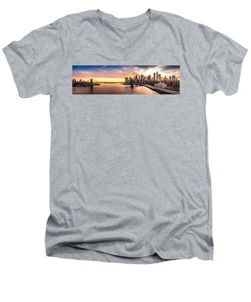 Brooklyn Bridge Panorama Men's V-Neck T-Shirt