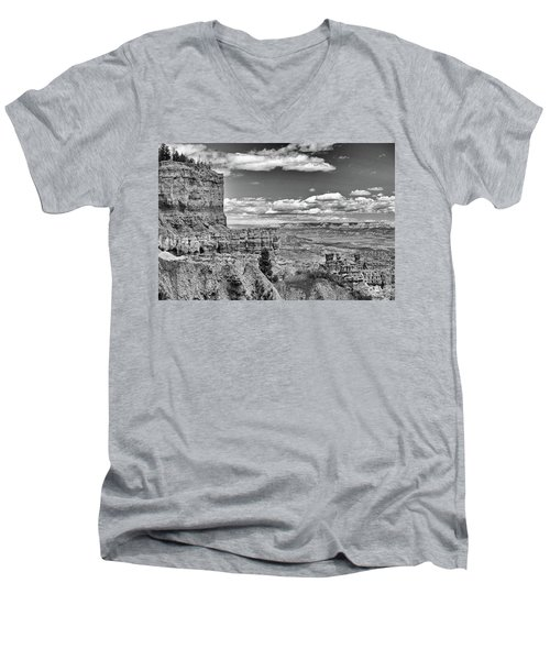 Bryce Canyon In Black And White Men's V-Neck T-Shirt