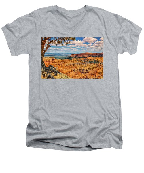 Bryce Canyon Overlook Men's V-Neck T-Shirt