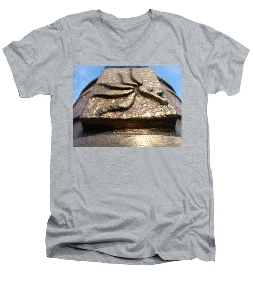 Men's V-Neck T-Shirt featuring the photograph Buckeye Collar by Robert Knight