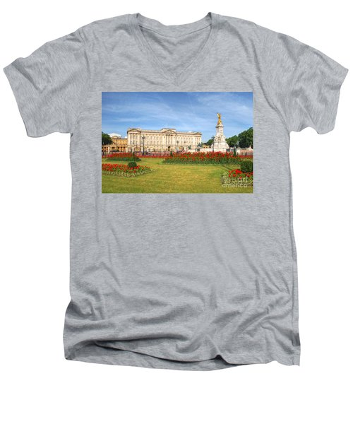Buckingham Palace And Garden Men's V-Neck T-Shirt