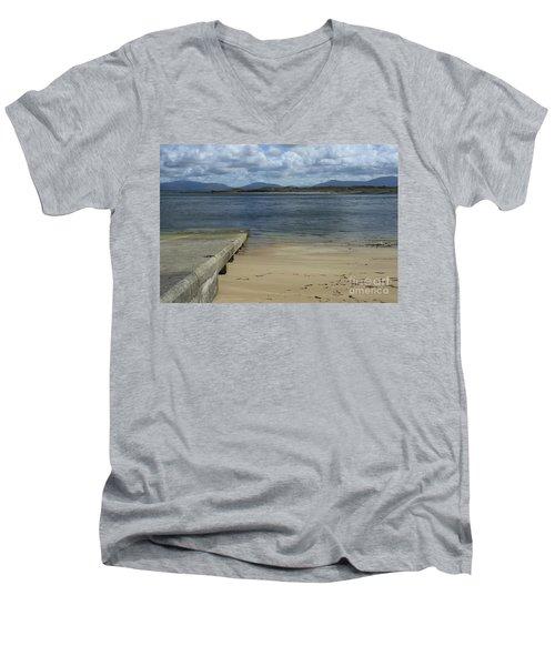 Bullsmouth Slipway Men's V-Neck T-Shirt