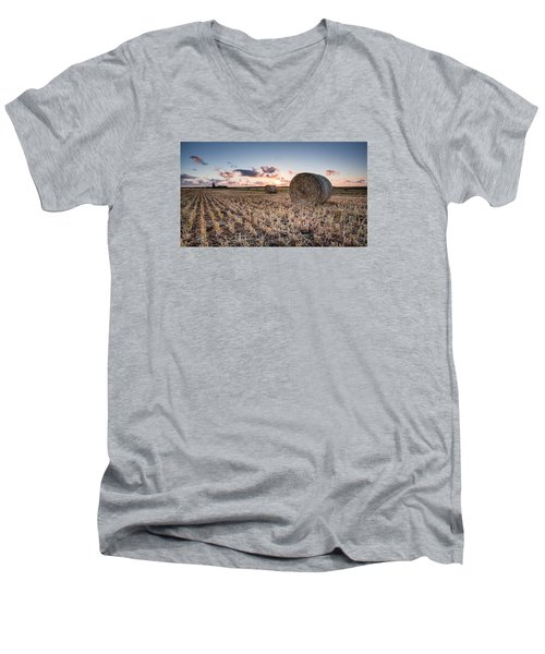 Bundy Hay Bales #4 Men's V-Neck T-Shirt