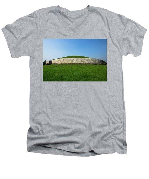 Burial Mound Men's V-Neck T-Shirt