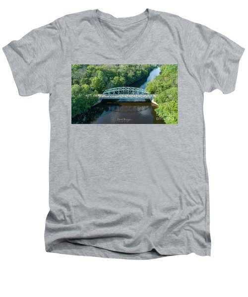 Butts Bridge Summertime Men's V-Neck T-Shirt