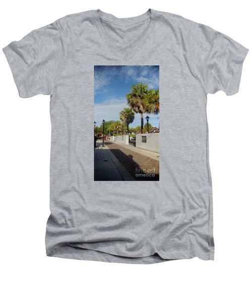 Cabbage Palms Along Hypolita Street Men's V-Neck T-Shirt
