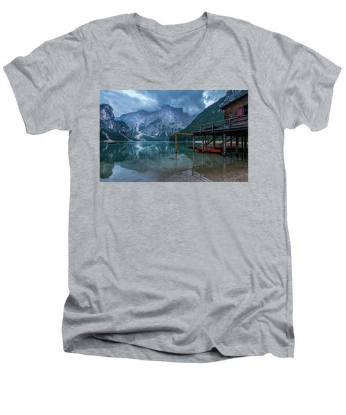 Cabin By The Lake Men's V-Neck T-Shirt