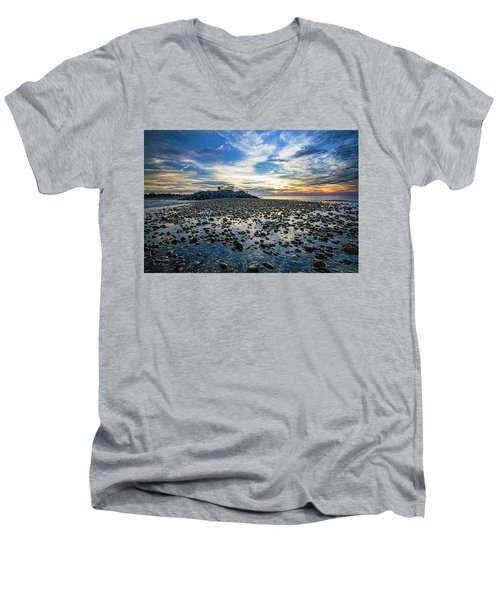 Cable Crossing Orient Point Sunset Men's V-Neck T-Shirt