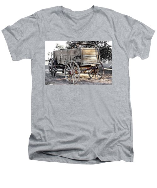 California Farm Wagon Men's V-Neck T-Shirt