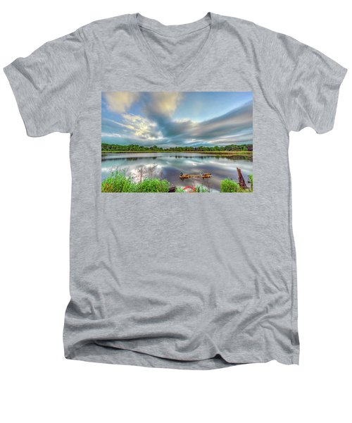 Canadian Geese On A Marylamd Pond Men's V-Neck T-Shirt
