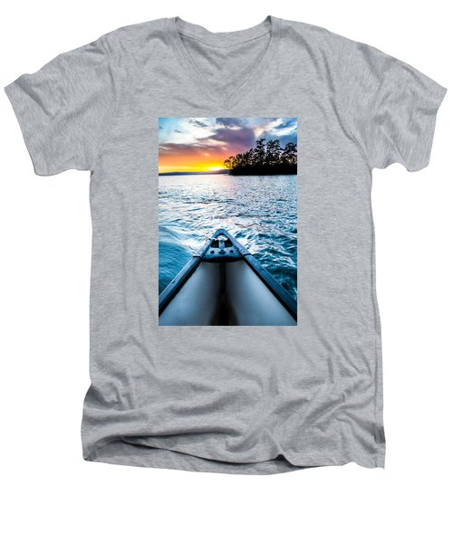Canoeing In Paradise Men's V-Neck T-Shirt