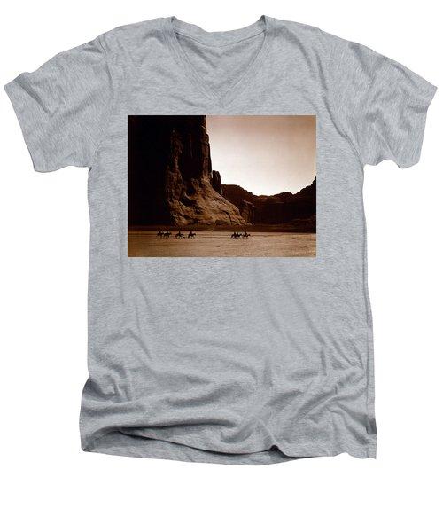 Canyon De Chelly 2c Navajo Men's V-Neck T-Shirt