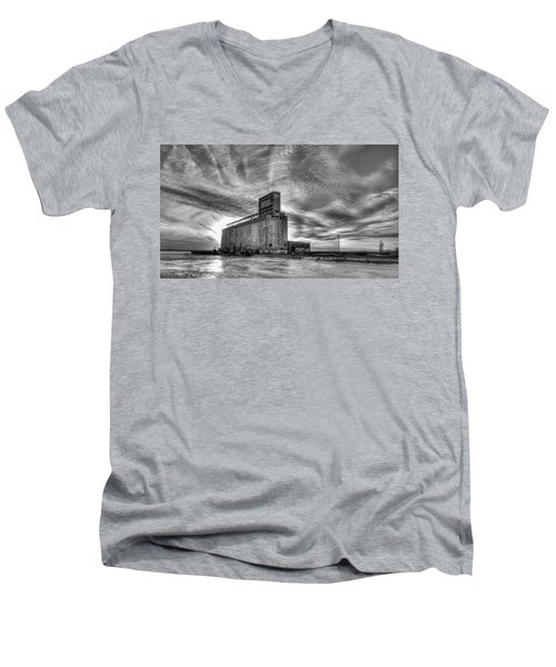 Cargill Sunset In B/w Men's V-Neck T-Shirt