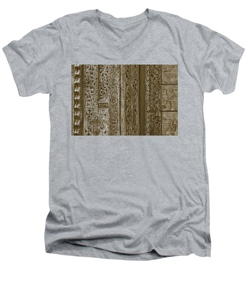 Men's V-Neck T-Shirt featuring the photograph Carving - 1 by Nikolyn McDonald