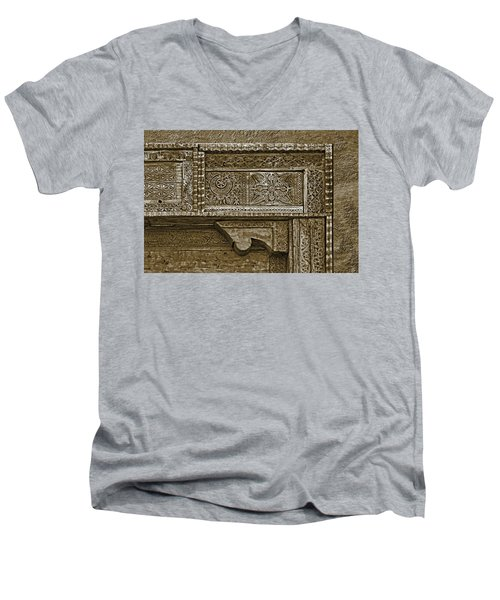 Men's V-Neck T-Shirt featuring the photograph Carving - 4 by Nikolyn McDonald