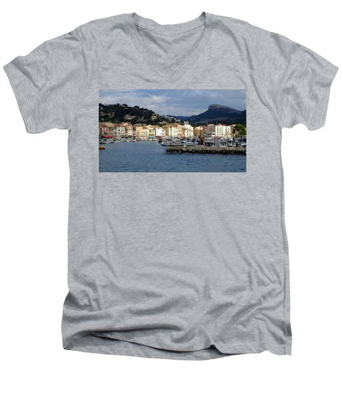 Cassis Town And Harbor Men's V-Neck T-Shirt