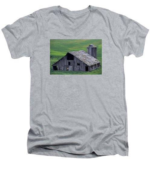 Cat Barn Men's V-Neck T-Shirt