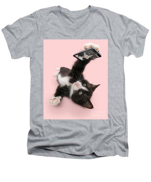 Cat Selfie Men's V-Neck T-Shirt