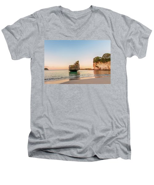 Cathedral Cove, New Zealand Men's V-Neck T-Shirt