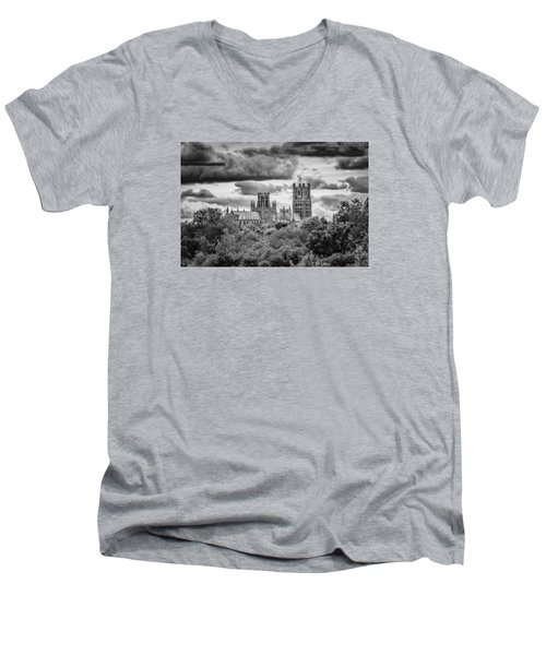 Cathedral From The North-east Men's V-Neck T-Shirt