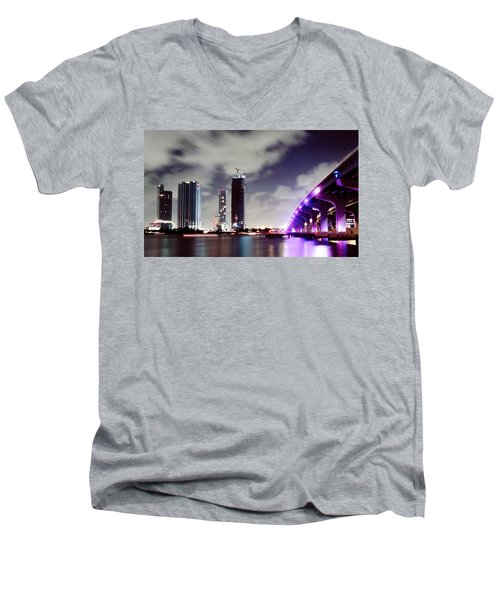 Causeway Bridge Skyline Men's V-Neck T-Shirt