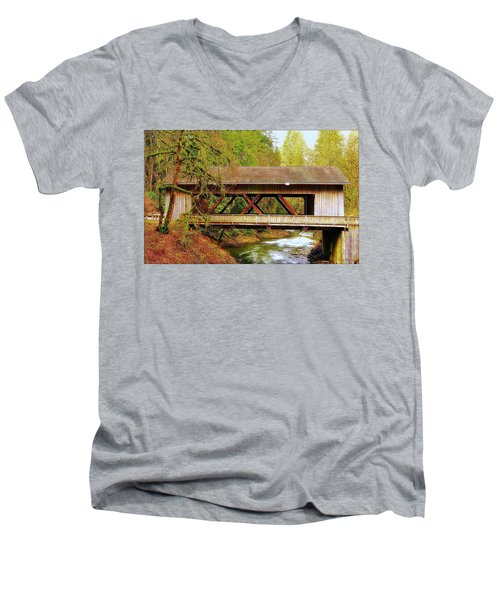 Cedar Creek Grist Mill Covered Bridge Men's V-Neck T-Shirt
