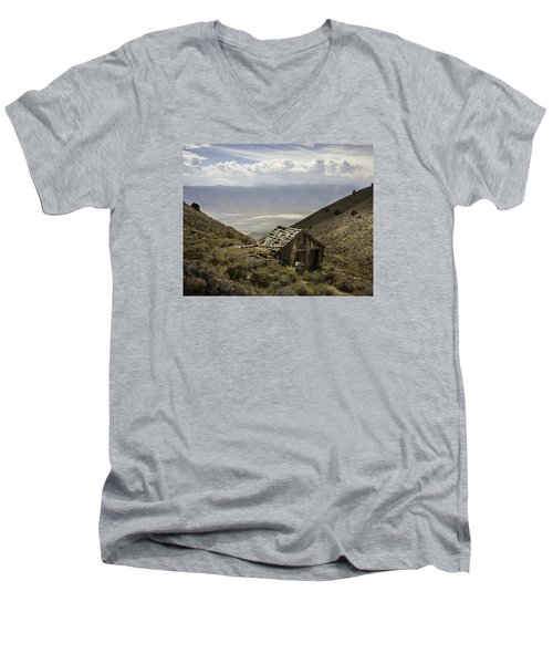 Cerro Gordo Cabin Men's V-Neck T-Shirt