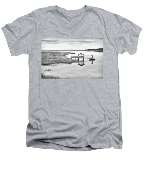 Chechessee Dock Men's V-Neck T-Shirt