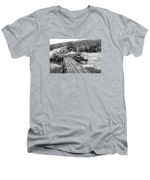 Checking The Rails Men's V-Neck T-Shirt