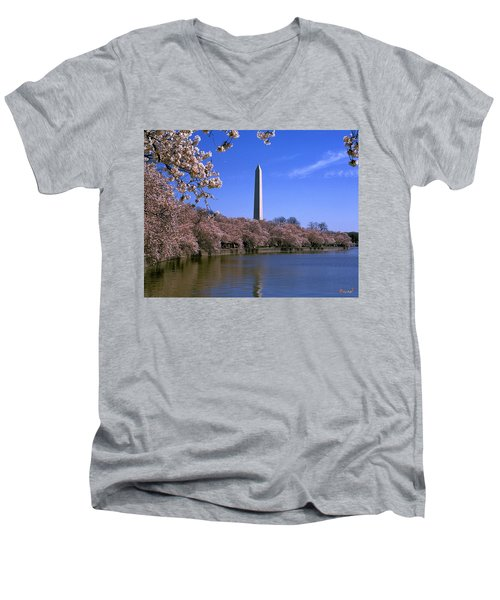 Cherry Blossoms On The Tidal Basin 15j Men's V-Neck T-Shirt