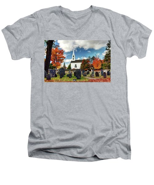 Chester Village Cemetery In Autumn Men's V-Neck T-Shirt