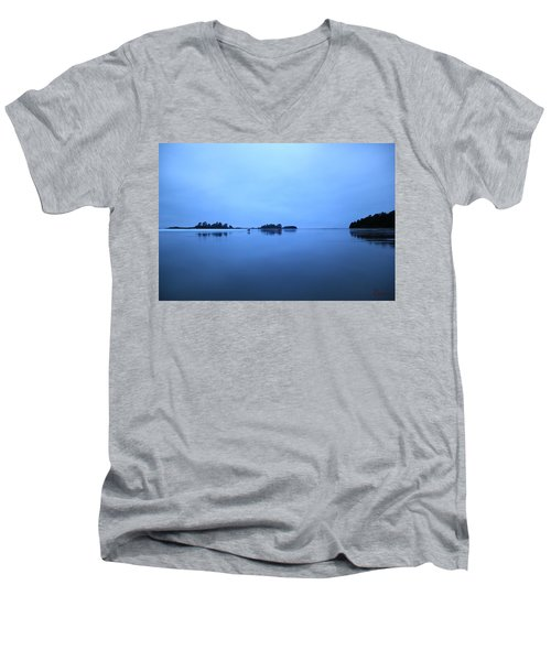Chesterman Spatial Blues Men's V-Neck T-Shirt
