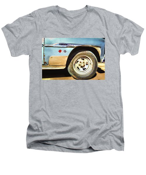 Chevy Deluxe Men's V-Neck T-Shirt